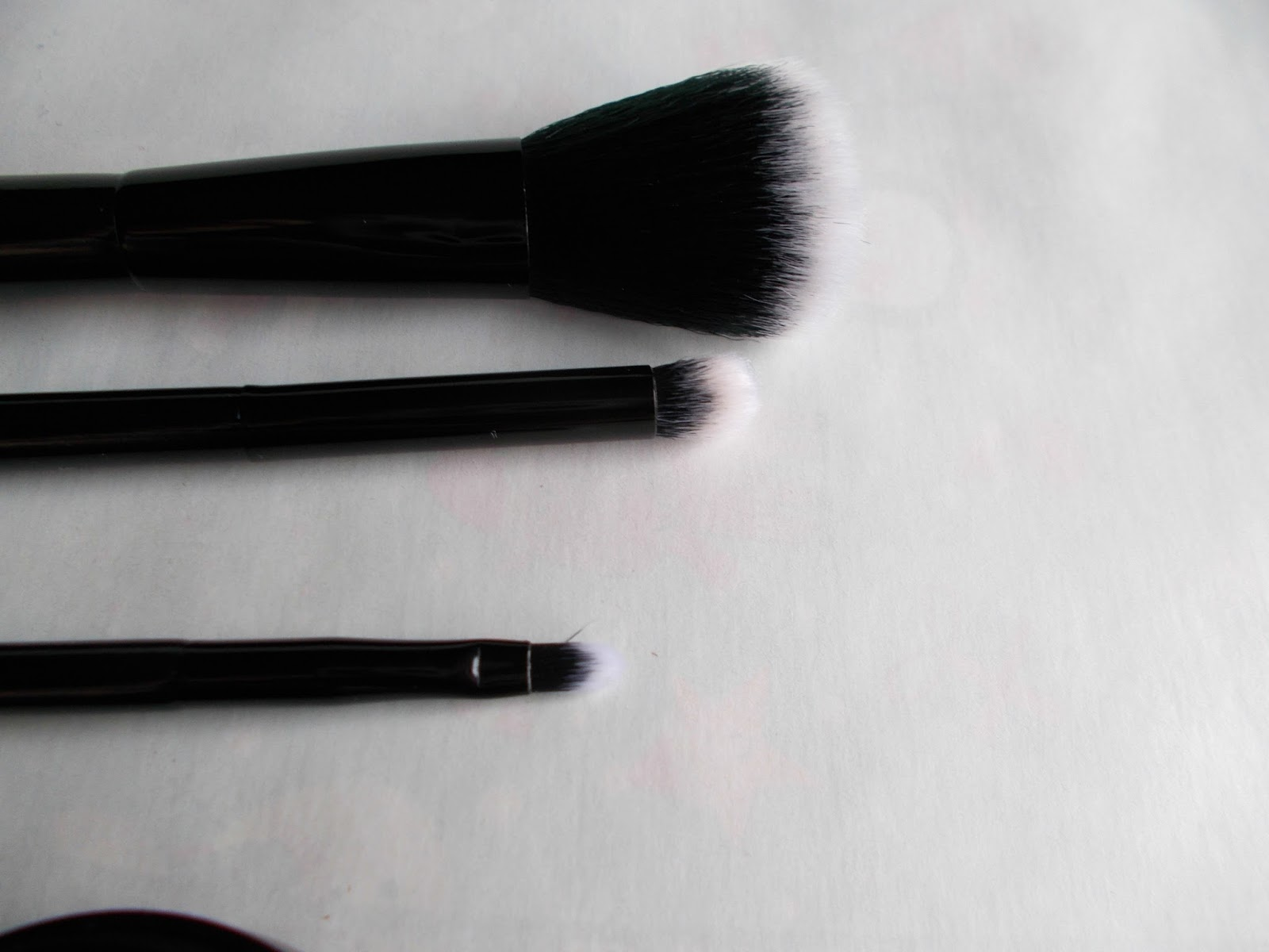 SEVENTEEN gift with purchase makeup brushes review