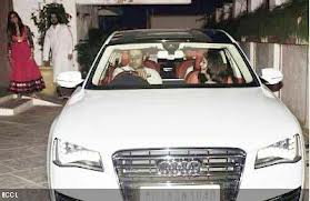 Aishwarya rai & abishek in the car