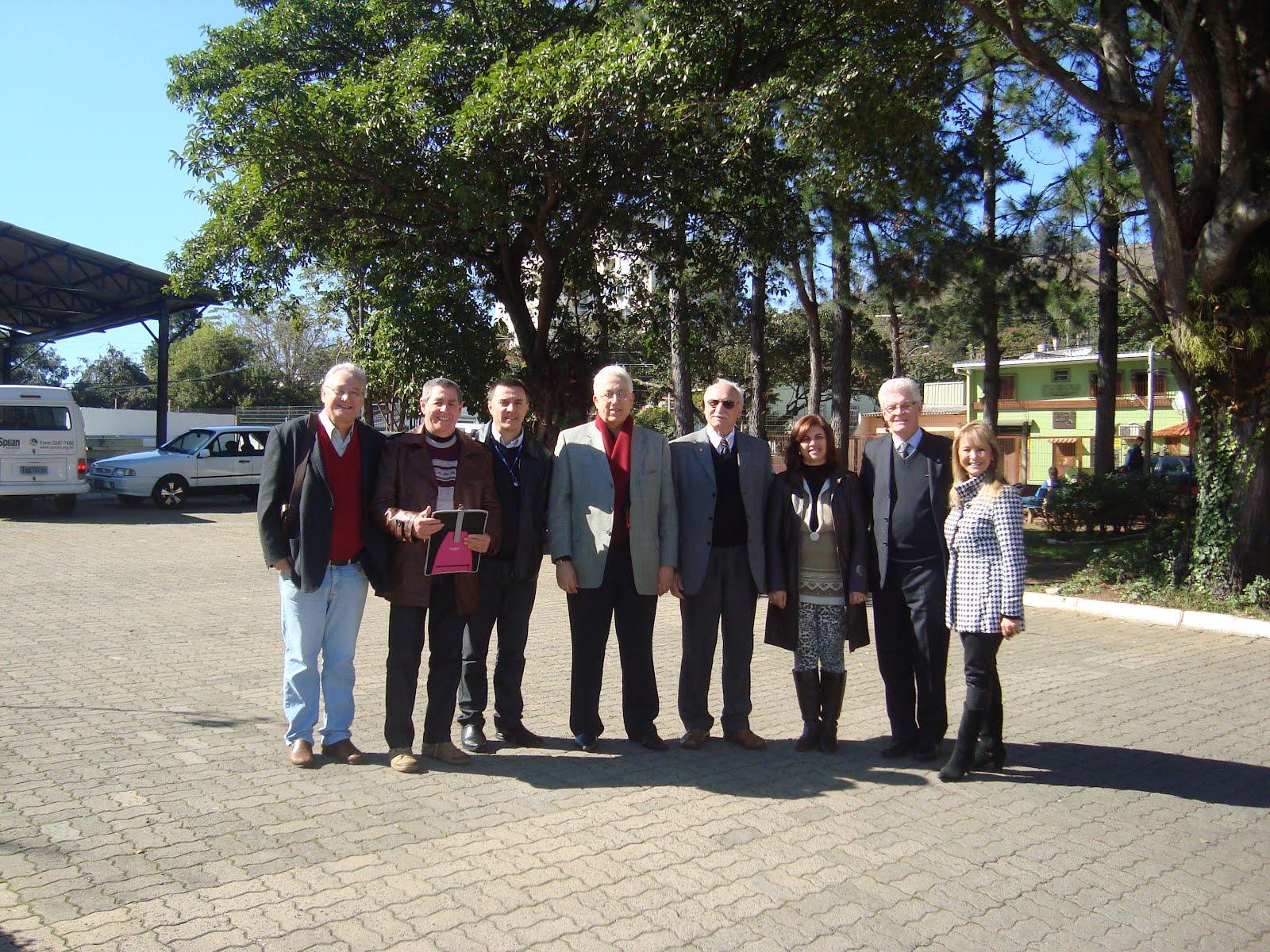 Lourdes Dallacort,  entre companheiros do Rotary