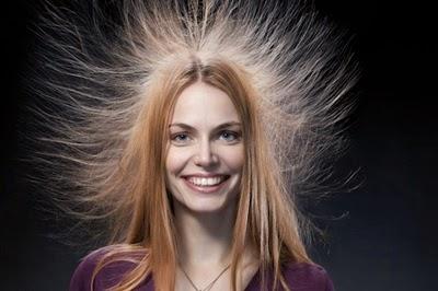 Eliminar la electricidad estática del cabello es sencillo