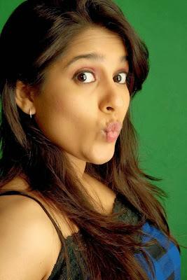 chaudes derniers alambics sexy de Rashmi Gautam, ancre dernière galerie d'images sexy