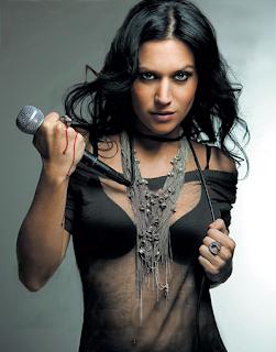 10 Cewek Metal Paling Seksi-Cristina Scabbia