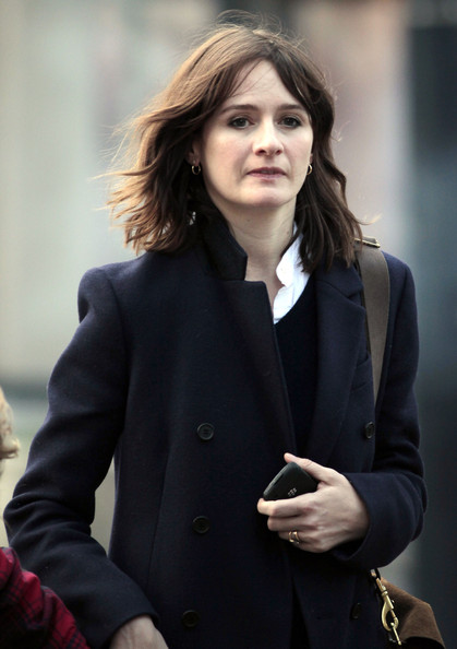 Emily Mortimer Sexy Photos