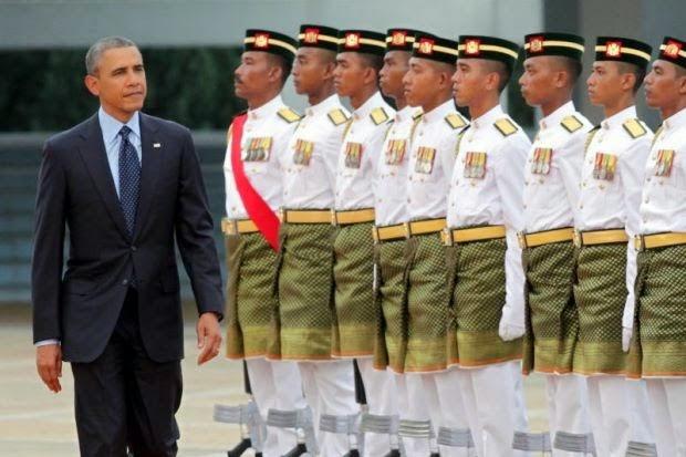 Gambar Dan Video Ketibaan Presiden Obama Di Pengkalan Udara TUDM Subang