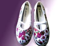 Sepatu Lukis jean 299 Cewek Rp 125 000