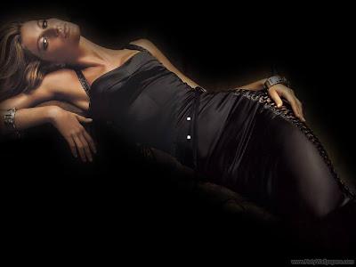 Hollywood Celebrity Gisele Bundchen Wallpaper-1440x1280