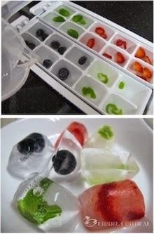 Cubos de gelo com cor e sabor