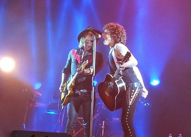 Concierto de Bunbury, de su gira Palosanto Tour 2014, en Zaragoza. Makoondo