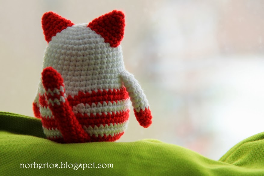 Crochet cat for Christmas Sweet crocheting time