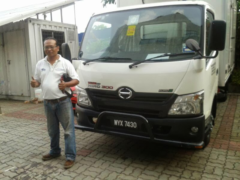 lori hino  refrigerated...for  felda        sold   by  abang  lori