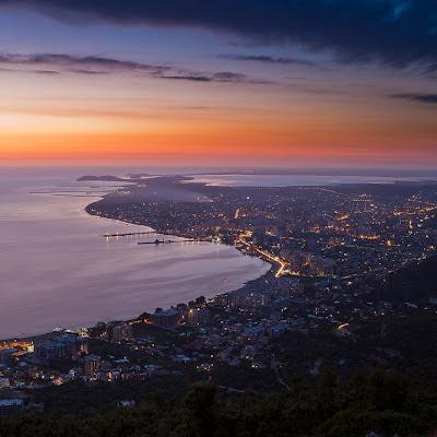 Valona al tramonto - uno spettacolo imperdibile della costa albanese