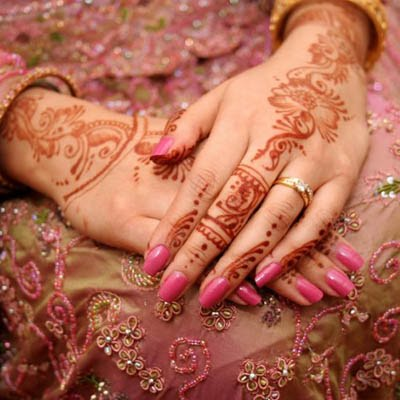 Bridal New Mehndi Designs with colorful Dresses ~ All About 24