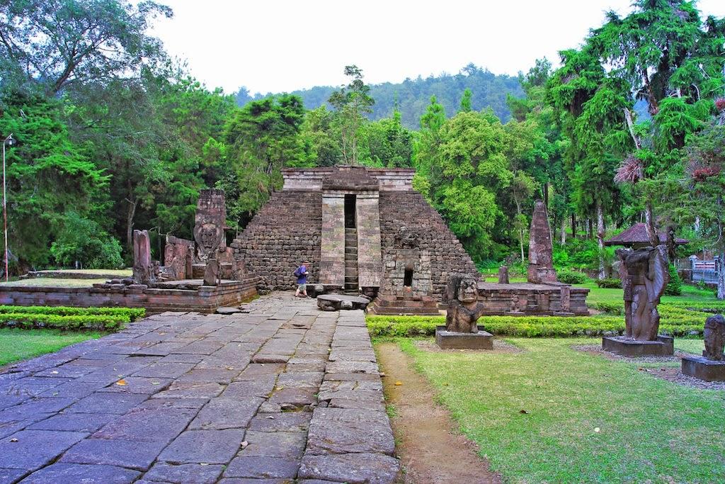Prambanan Solo and Sukuh Temple Tour