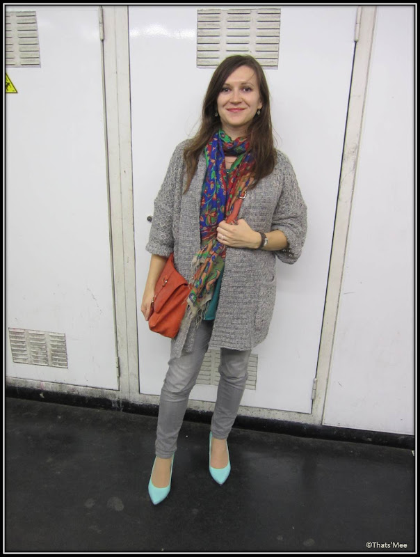 maxi-gilet Primark, escarpins New Look sac orange brique H&M, foulard indien