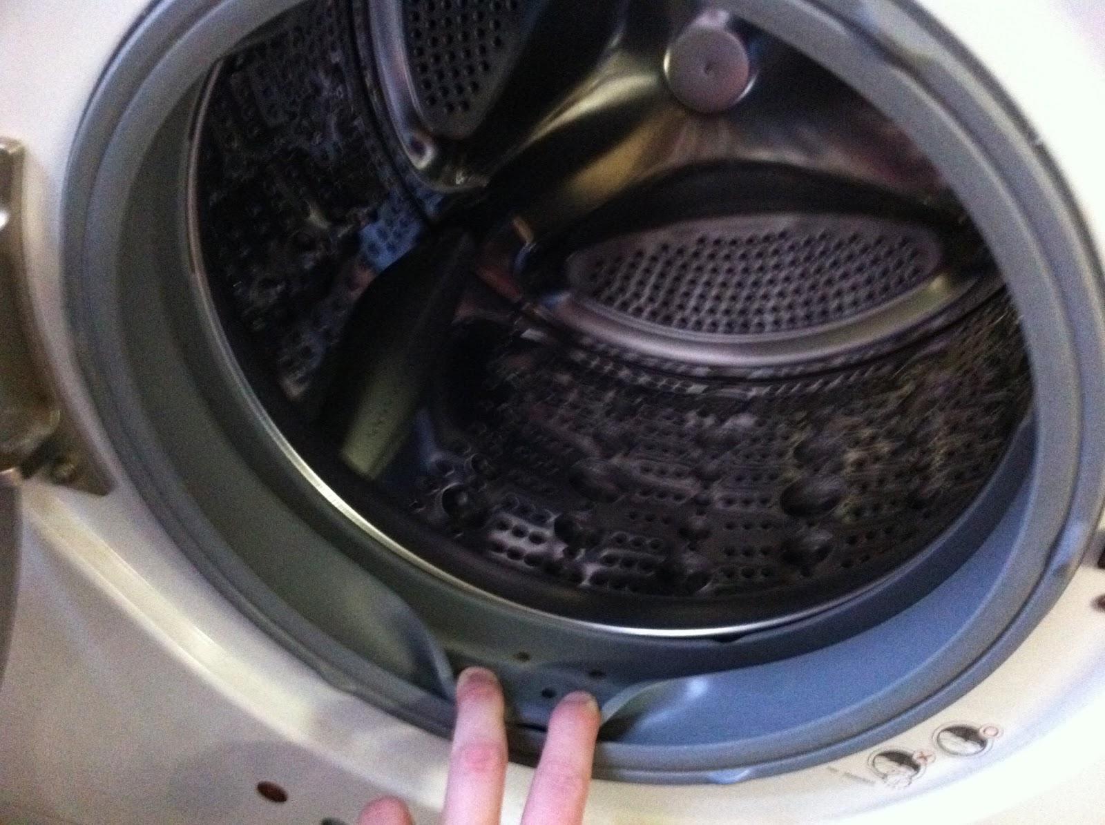 waschmaschine hinterl t dunkle flecken shot blog. Black Bedroom Furniture Sets. Home Design Ideas
