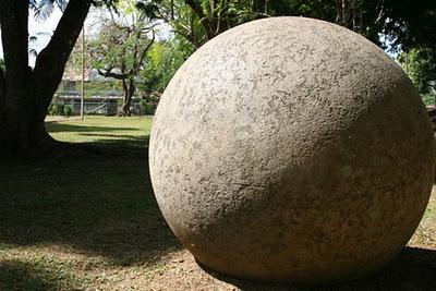 Οι γιγάντιες μπάλες της Κόστα Ρίκα