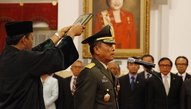Presiden Lantik Panglima TNI dan KSAD Baru