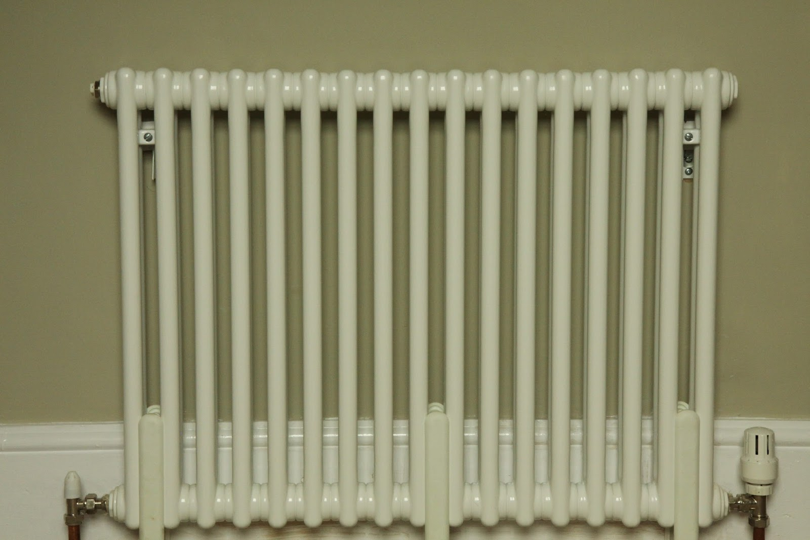 modern country style gorgeous radiators who 39 d have. Black Bedroom Furniture Sets. Home Design Ideas