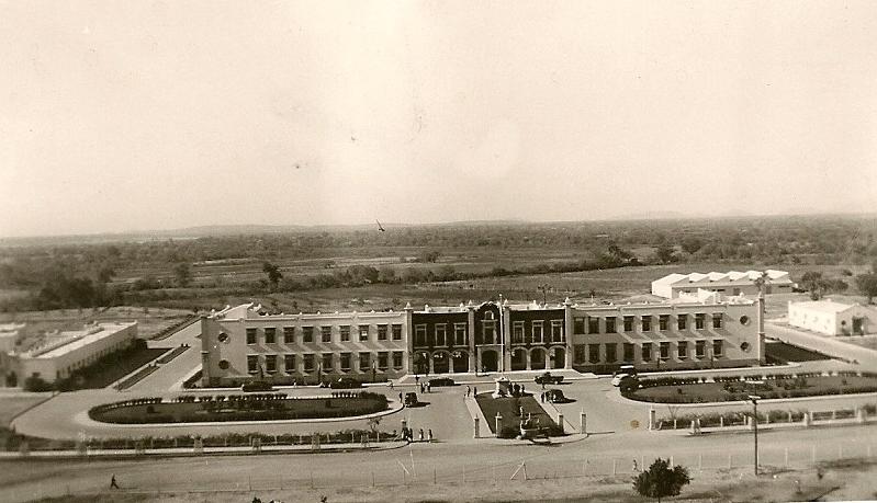 Historias del lado sucio la arquitectura inicial en la for Universidades en hermosillo