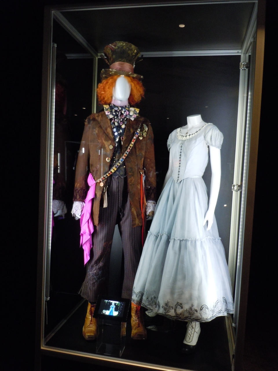alice and the mad hatter costume