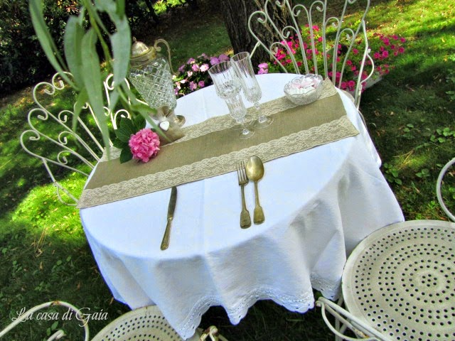 Matrimonio Country Chic Giardino : Porta fedi runner bomboniere un matrimonio country chic
