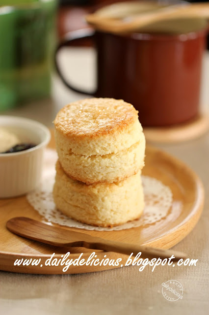 quicky sticky biscuits rather rich corn muffins real rich scones