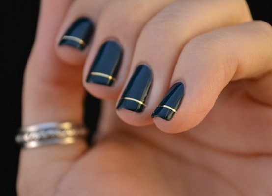 Take a look at the gallery with new topical manicure ideas for the