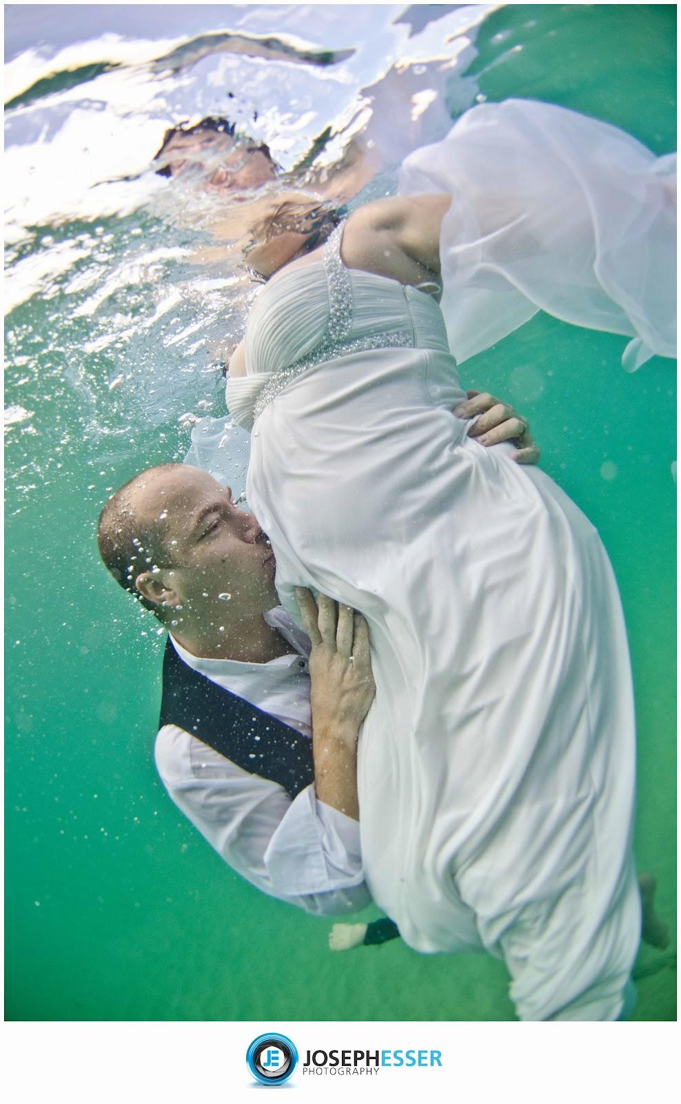 Trash The Dress Hawaii Photographers Underwater Maturnity Photos Of