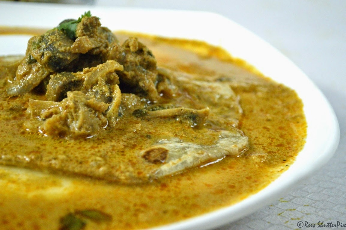 Side dish Recipes, veg side dish, mushroom recipes, how to make mushroom gravy for chappathi, mushroom gravy using coconut, simple mushroom gravy, mushroom curry recipe, simple mushroom recipes, mushroom recipes, side dish recipes