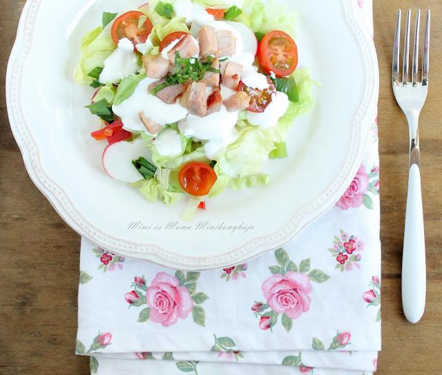 Hamis görög saláta angolszalonnával