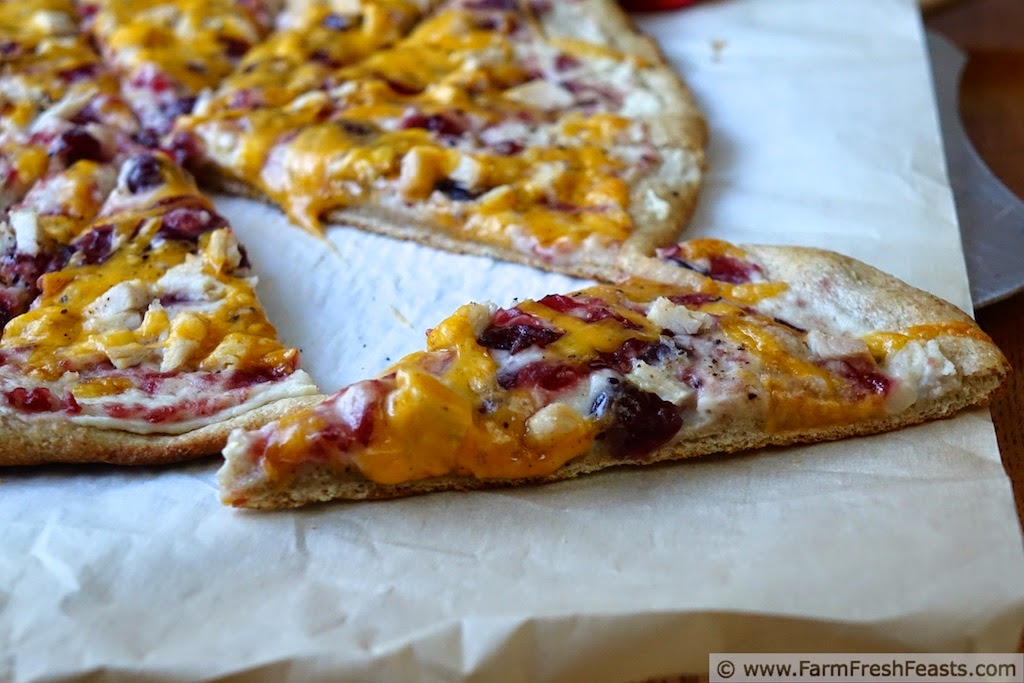 http://www.farmfreshfeasts.com/2014/11/turkey-cranberry-and-mashed-potato-pizza.html