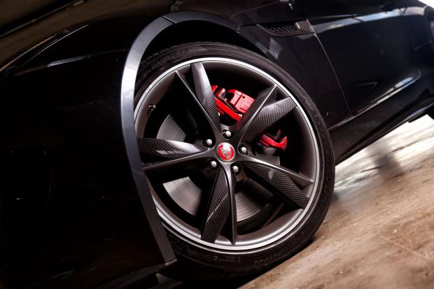 Jaguar F-Type Acceleration