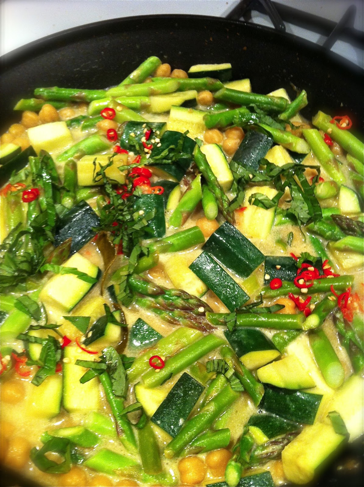 What's cookin': Asparagus, Zucchini and Chickpea Green Curry