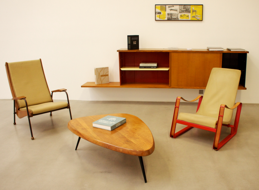 Mid century modern furniture famous mid century chairs for Cheap modern furniture amazon