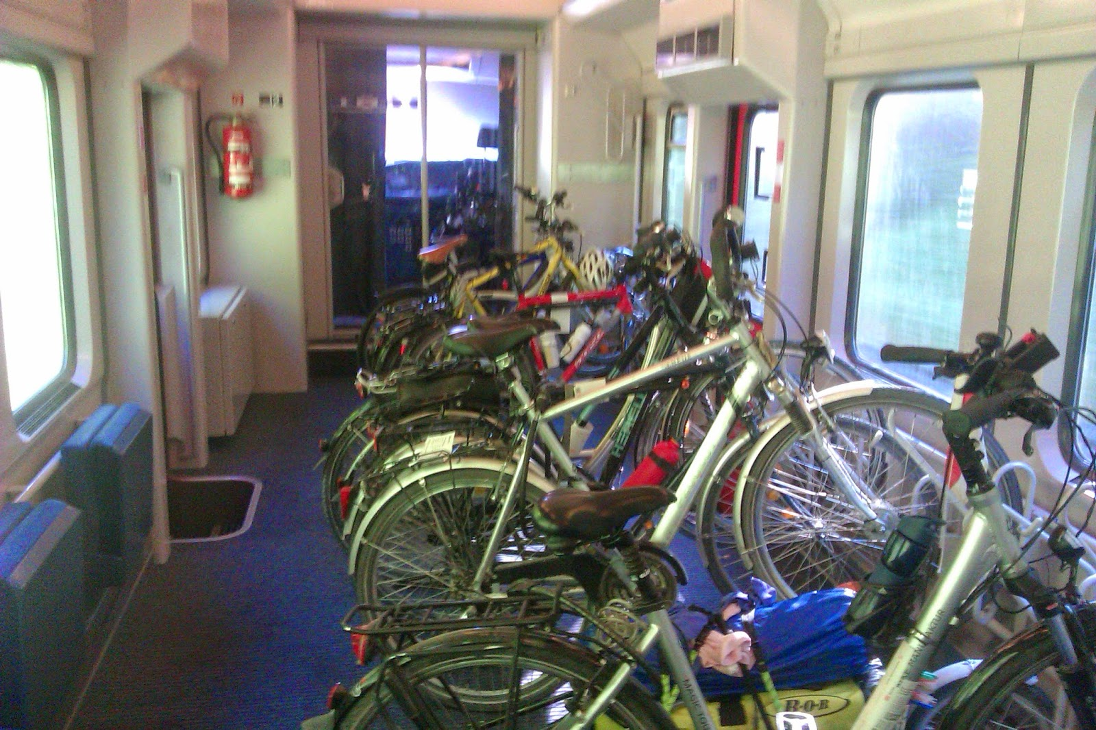 Bike stands train Inter-city Passau - Hamburg