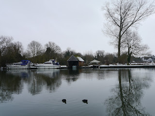 The Thames Path near Moulsford in January