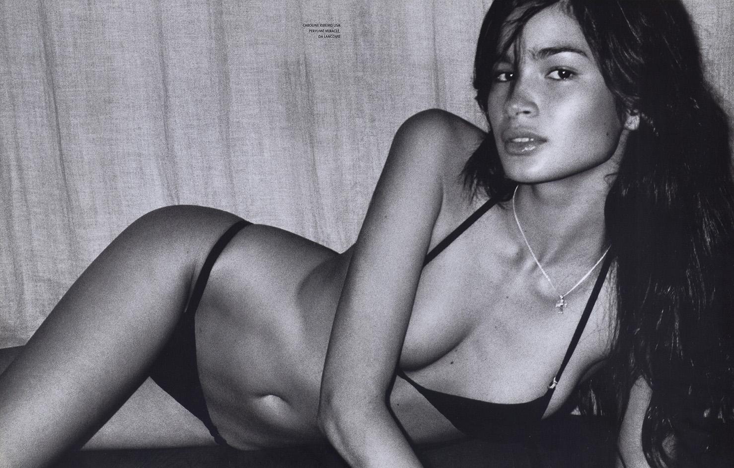 http://2.bp.blogspot.com/-IXy8S5vnty8/TiwvBpW1XQI/AAAAAAAACMg/3yTQICQvgWA/s1600/Caroline+Vogue+Brasil+Feb+2001+Testino.jpg