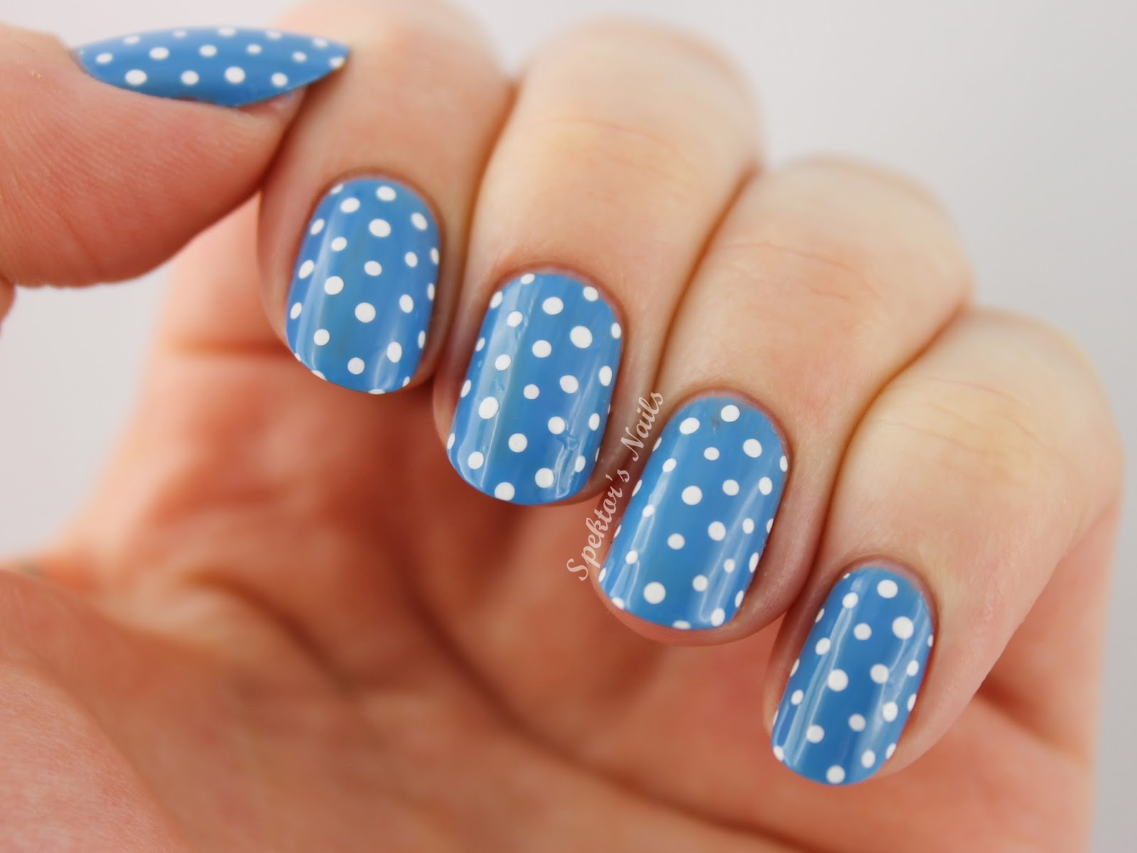 Polka Dots & Essie - Avenue Maintain