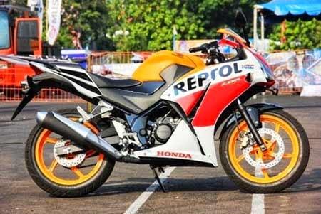 Gambar Honda CBR Lokal versi Repsol