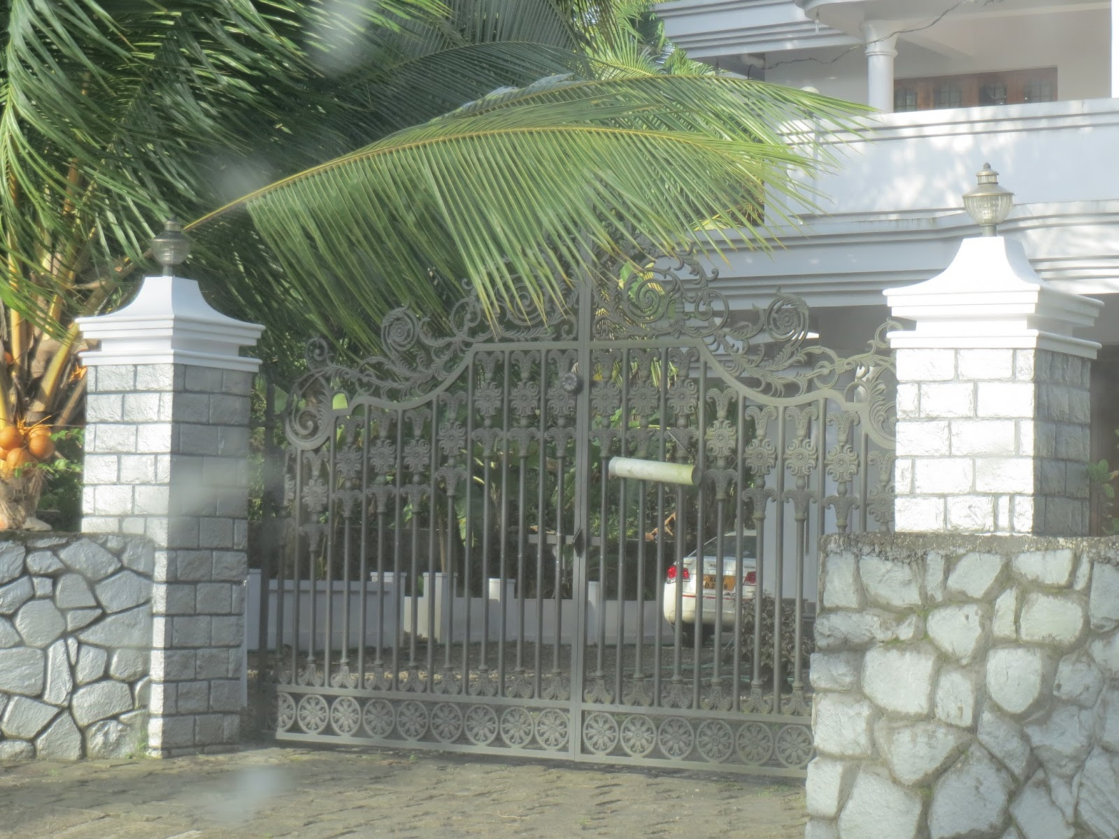 kerala gate designs kerala house gate designs. Black Bedroom Furniture Sets. Home Design Ideas
