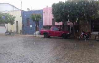 Chuva faz renascer a esperança da população de Nova Palmeira