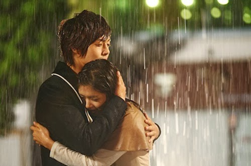 Những cặp đôi lãng mạn trong mưa