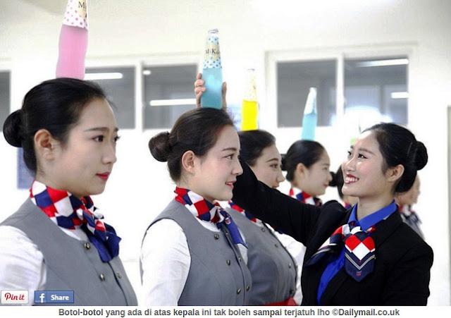 Fakta Terbaru Betapa Berat Jadi Pramugari di China