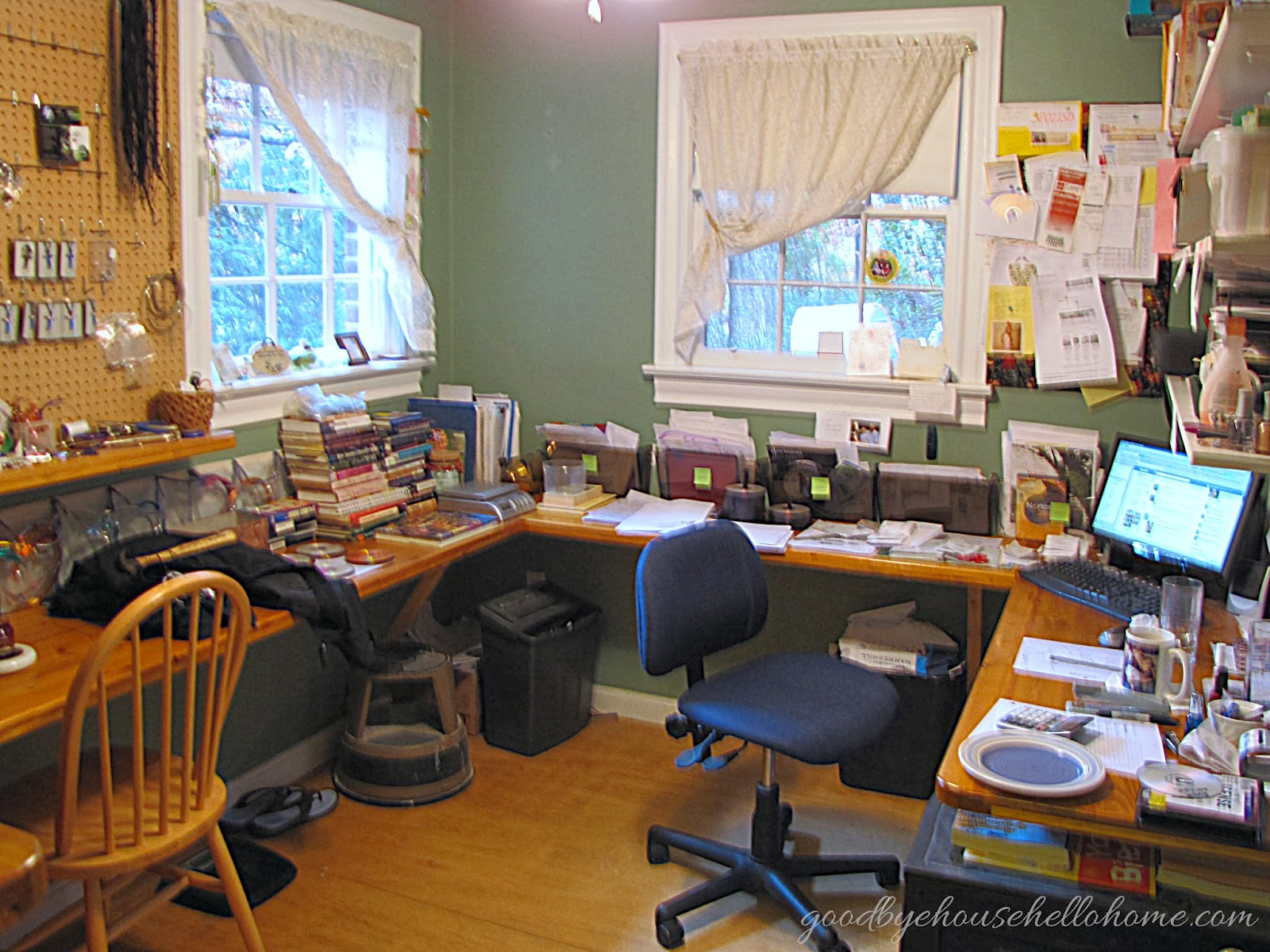 Home Staging    Craft Room To Home Office