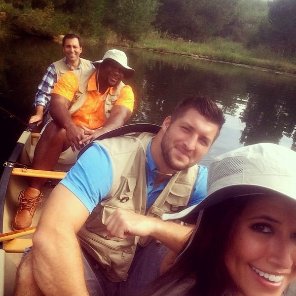 Tim Tebow and the SEC Nation crew are on a boat, and they're going fast.