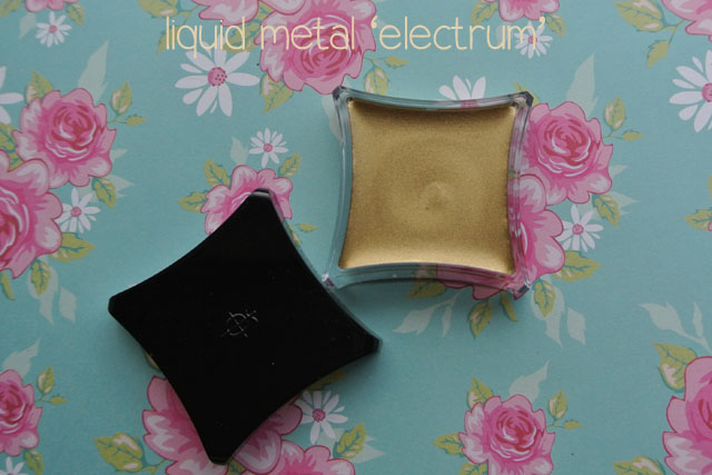 illamasqua mystery box swatch liquid metal electrum