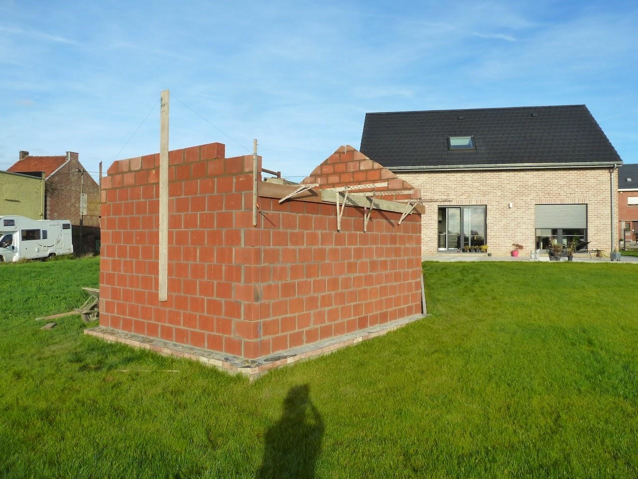 La construction de notre maison l 39 abri de jardin 3 for Autorisation construction abri de jardin