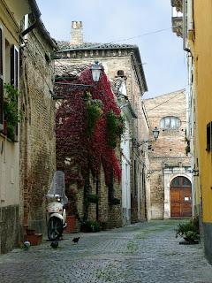 Santa Chiara, scorcio