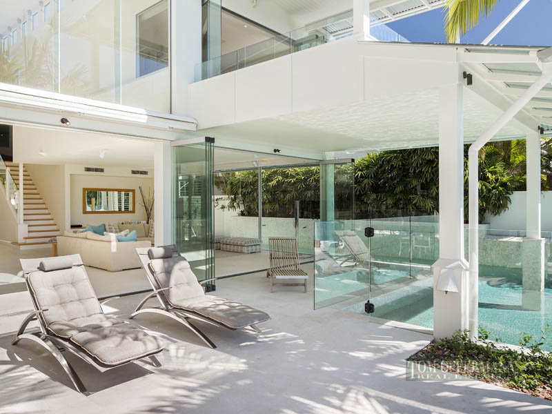 Waterfront Modern Villa For Perfect Summer Noosa Heads