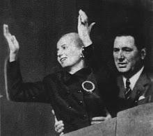 Eva Peron  > Evita abrazos Evita >....
